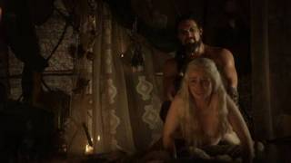 Emilia Clarke (25 years) in nude and sex scenes from first season Game of Thrones