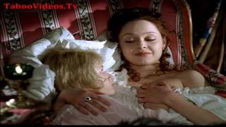 The young prince sleeps with the nanny - Erotic scene